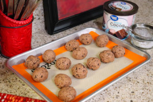 Keto Chocolate Peanut Butter Cheesecake Balls (NO BAKE)